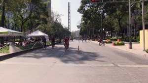Податотека:Mexico City Cycling.webm