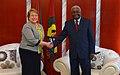 Michelle Bachelet con Armando Guebuza 2014.jpg