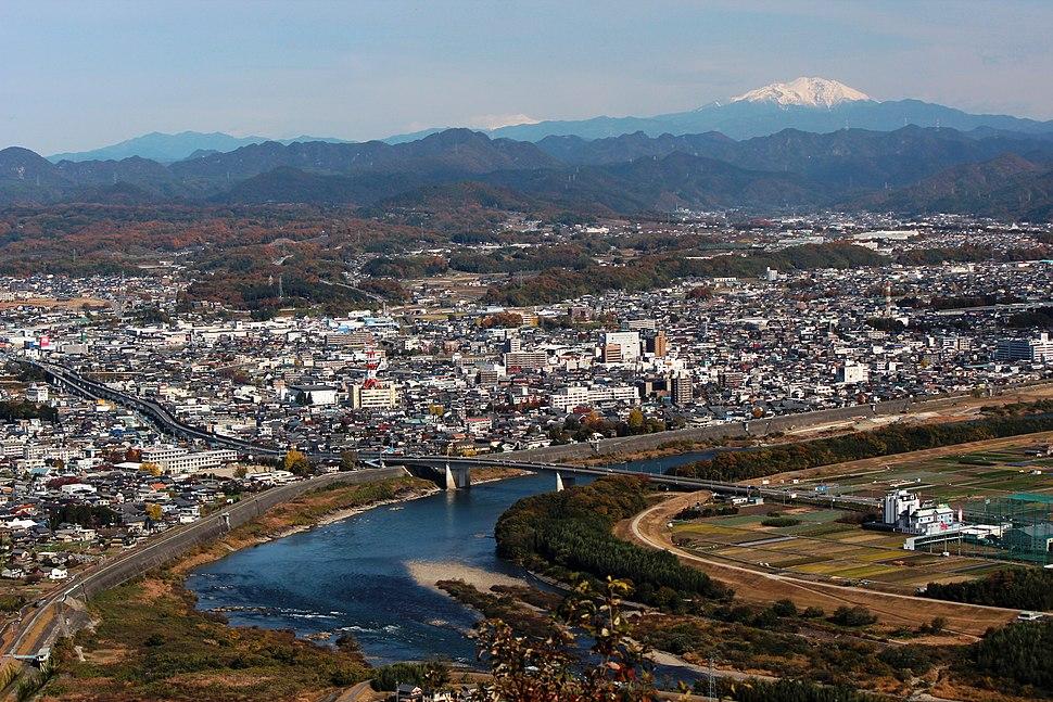 Minokamo and Mount Ontake from Mount Hatobuki