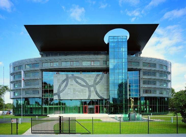 Moderne wolkenkrabber Warschau 0865