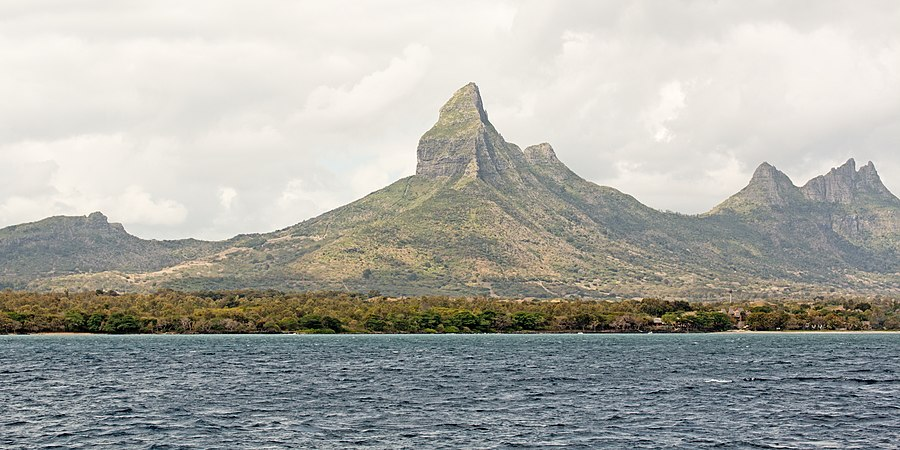 Rempart Mountain