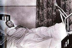 Howie Morenz - After breaking his leg, Morenz was unable to move from his hospital bed.