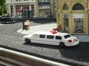 File:Moving Limousine in Miniland, Legoland Windsor.ogv