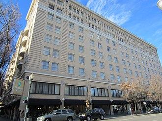 Multnomah Hotel - Embassy Suites Portland - Downtown seen in 2012 (former Multnomah Hotel)