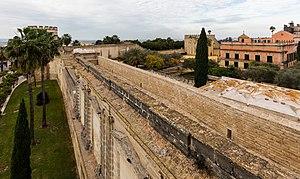 Alcázar of Jerez de la Frontera - Image: Muro del Alcázar, Jerez de la Frontera, España, 2015 12 07, DD 72