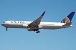 N668UA Boeing 767 United (14806342431).jpg
