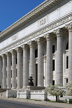Fassade des Beaux-Arts-Gebäudes