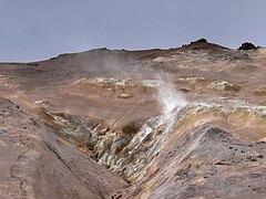 Namafjall - Dampfender Berg 1.jpg