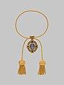 Necklace with cameo of Veronica's Veil MET DP-12990-001.jpg
