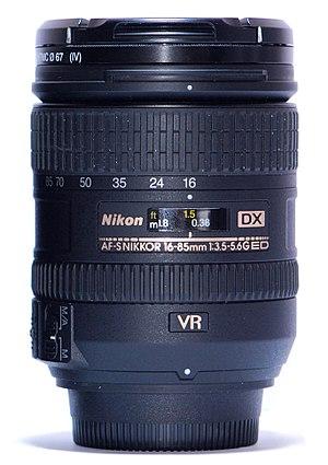 Nikon AF-S DX Zoom-Nikkor 16-85mm f/3.5-5.6G IF-ED VR - Comparison between AF-S DX 16-85mm VR 1:3.5-5.6G IF-ED and Nikon AF-S 18-55mm f/3.5-5.6G
