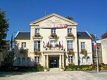 Nogent-sur-Oise (60), hôtel de Ville.jpg