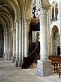 Noyon (60), cathédrale Notre-Dame, bas-côté nord, 5e travée, vue sur les piliers forts et faibles.jpg