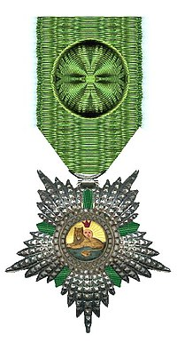 Officier in de Orde van de Leeuw en de Zon Iran rond 1900 Civiele Divisie.jpg