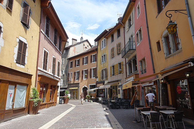 File:Old Town @ Annecy (35645349715).jpg