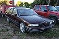 Oldsmobile Custom Cruiser (10232432436).jpg