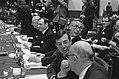 Op de voorgrond van links naar rechts Van der Stoel (voorzitter, kijkt om) en st, Bestanddeelnr 927-0559.jpg