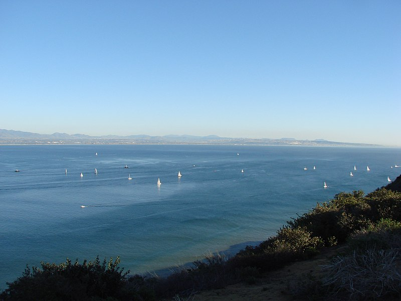 File:Overlooking San Diego - panoramio - Alistair Cunningham.jpg