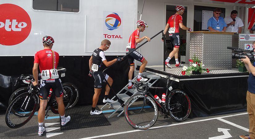 Péronnes-lez-Antoing (Antoing) - Tour de Wallonie, étape 2, 27 juillet 2014, départ (C069).JPG