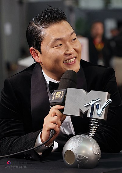 Picture of a band or musician: Psy