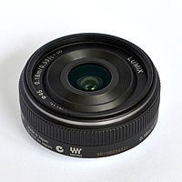 Panasonic 14mm side.jpg