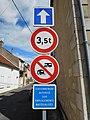 Panneaux de signalisation routière, Saint-Satur.jpg