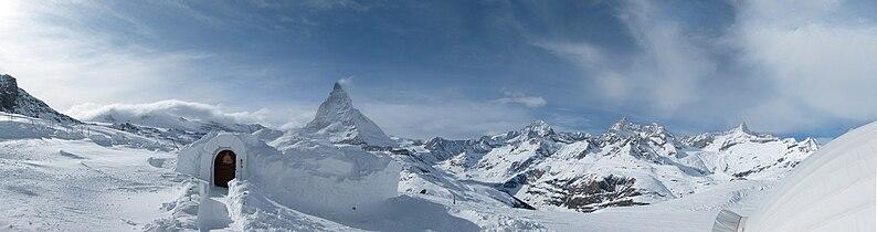 Panorama matterhorn fromiglubargornergrat.jpg