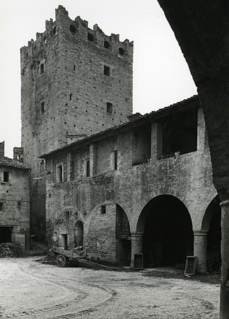 Castello della Rancia - The courtyard photographed by Paolo Monti in 1969