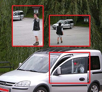 Paparazzo-style photographs (2009 fake).jpg