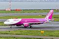 Peach Aviation, A320-200, JA808P (20868763400).jpg