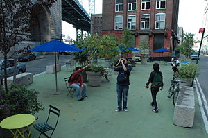 Dumbo, Brooklyn - Pearl Street pocket park in Dumbo