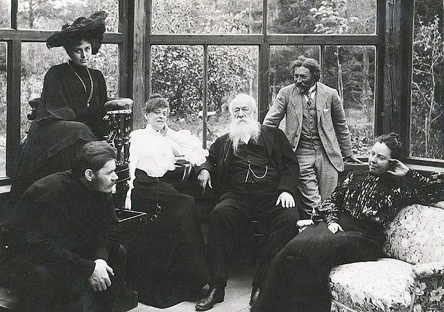 И.Е.Репин с гостями на зимней веранде в Пенатах. 1905