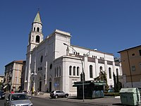 Pescara -Cattedrale di San Cetteo- 2008 by-RaBoe 001.jpg