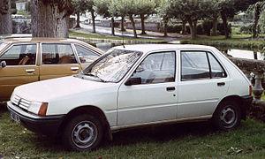 Peugeot 205 au debut.JPG