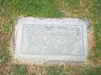 Walter Winchell - Grave site of Walter Winchell in Greenwood Memory Lawn