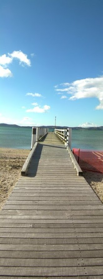 Maraetai - This pier in Maraetai Beach was once used for moving cattle and sheep to boats to be taken to Auckland; now it's a fishing pier.