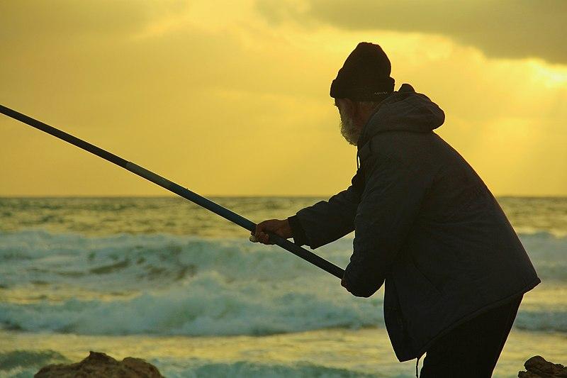 צללית של דייג