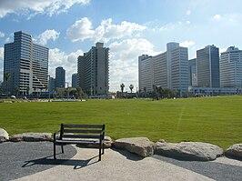 Charles Clore Park