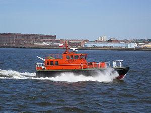 Pilot boat 'Dunlin' on the River Mersey.jpg