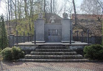 Death marches (Holocaust) - Image: Pomnik mogila ofiar marszu smierci Wodzislaw Slaski