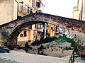 Ponte Medioevale sul Rio Basco.jpg