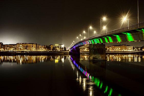 Ponte sul Danubio.jpg