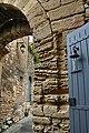 Porte médiévale à Goult.jpg