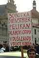 Praha, Hradčanské náměstí, protiuprchlická demonstrace, transparent II.jpg