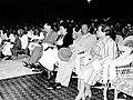 Predsednik Tito sa saradnicima na priredbi.jpg