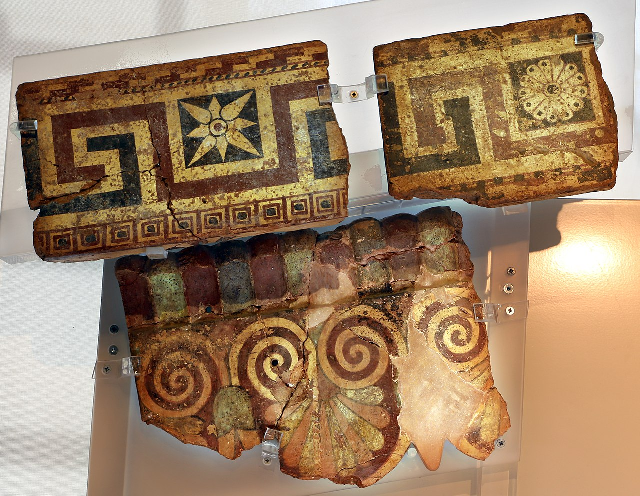 Pyrgi, santuario in loc. vigna parrocchiale, lastre dipinte, 530-520 ac ca. 01.jpg