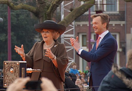 Queen Beatrix and museum director Wim Pijbes in 2013 Queen Beatrix and Wim Pijbes.jpg