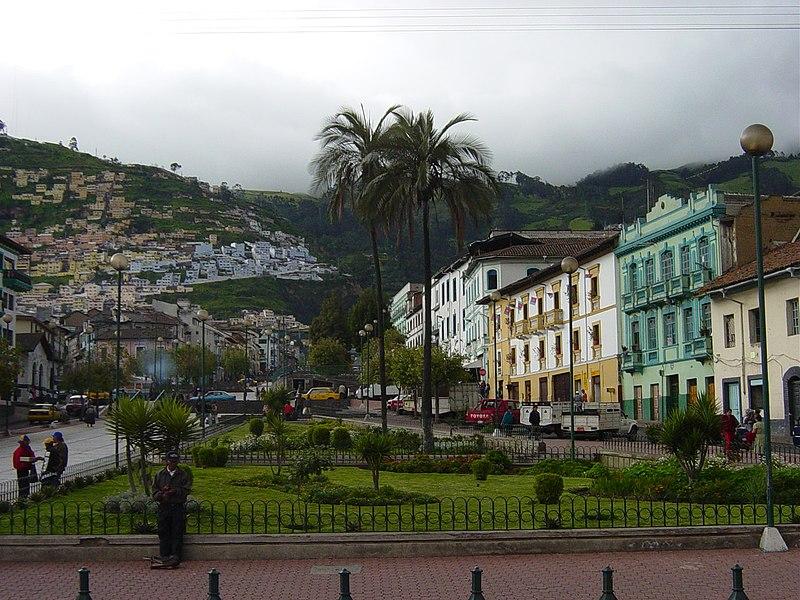 File:Quito Av24deMayo.JPG
