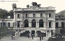 La stazione in una foto d'epoca del 1921, pressappoco simile all'odierna struttura.