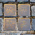 Ravensburg Marienplatz61 Stolpersteine Adler Familie.jpg