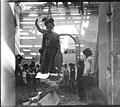 Remoção da estátua O Porto 1916 APReis (9289618921).jpg